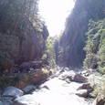 光溢れる渓谷