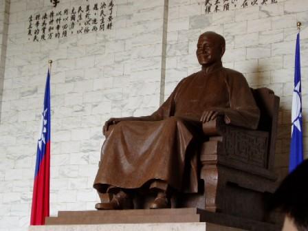 蒋介石の銅像